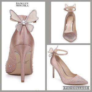 NIB Badgley Mischka 10 blush butterfly blingy heel